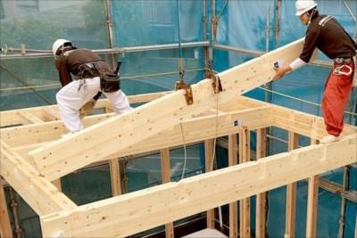 木造の建て方(木造建方)にクレーンを使用するなら埼玉の【有限会社木村クレーンリース】